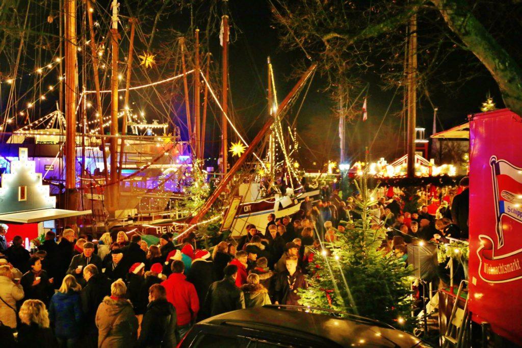 weihnachtsmarkt-achterd-waag-ingo-tonsor-2