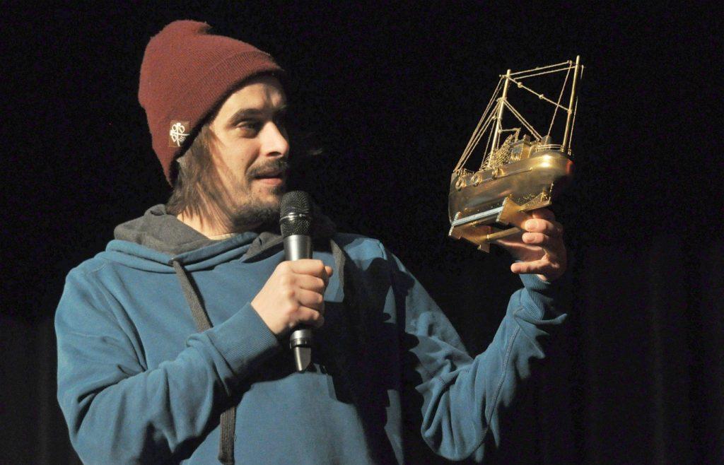 leeraner-poetry-slam-kulturpreis-andy-strauss-goldener-kutter
